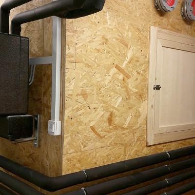 Krmilni sistem Kwb peči na pelete z zalogovnikom izdelanim po meri