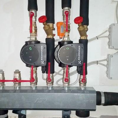 Ogrevalni sistem za oskrbo z toplotno energijo piščančje farme glavna črpalka